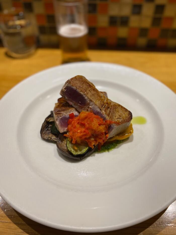 マグロのステーキの画像